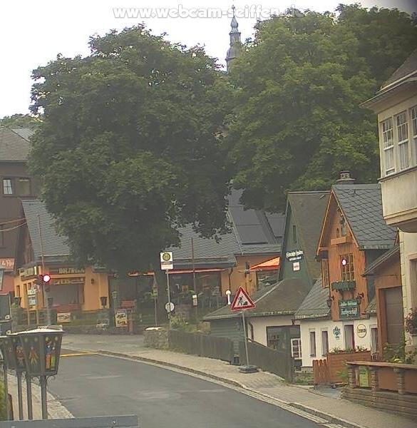 Webcam Weihnachtshaus mit Blick auf Seiffener Kirche