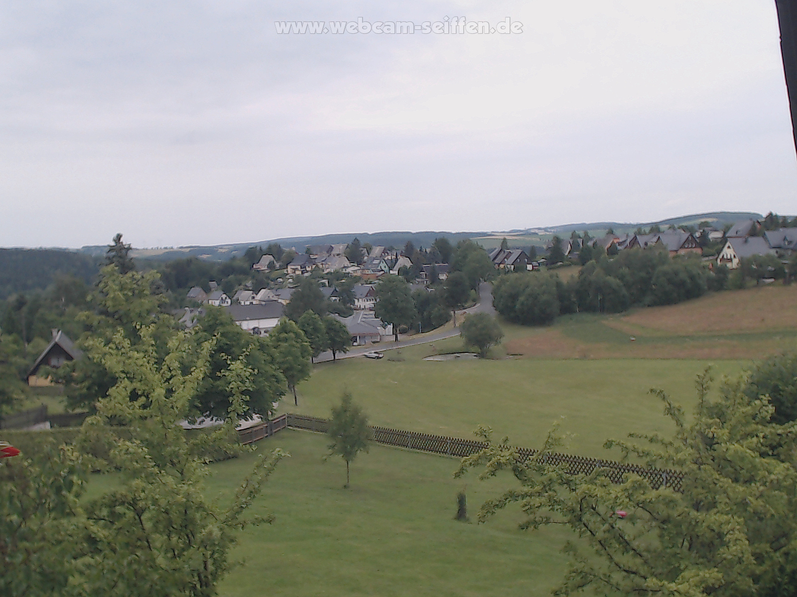 Kamera in Seiffen Neuhausenerstrasse mit Blick RichtungSayda und Heidersdorf